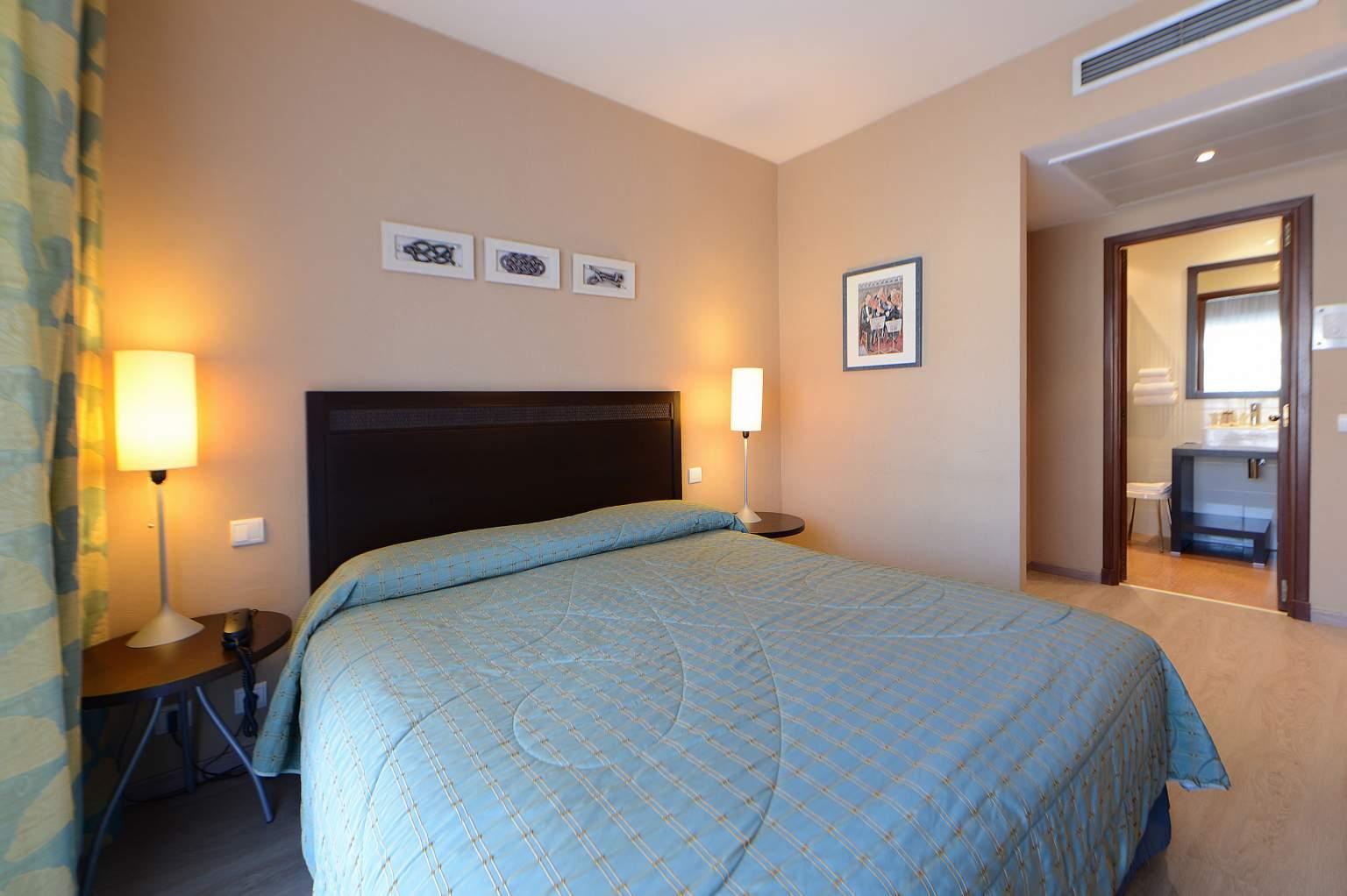 Chambre lit twin à Menton<span>Hôtel</span>Princess & Richmond à Menton