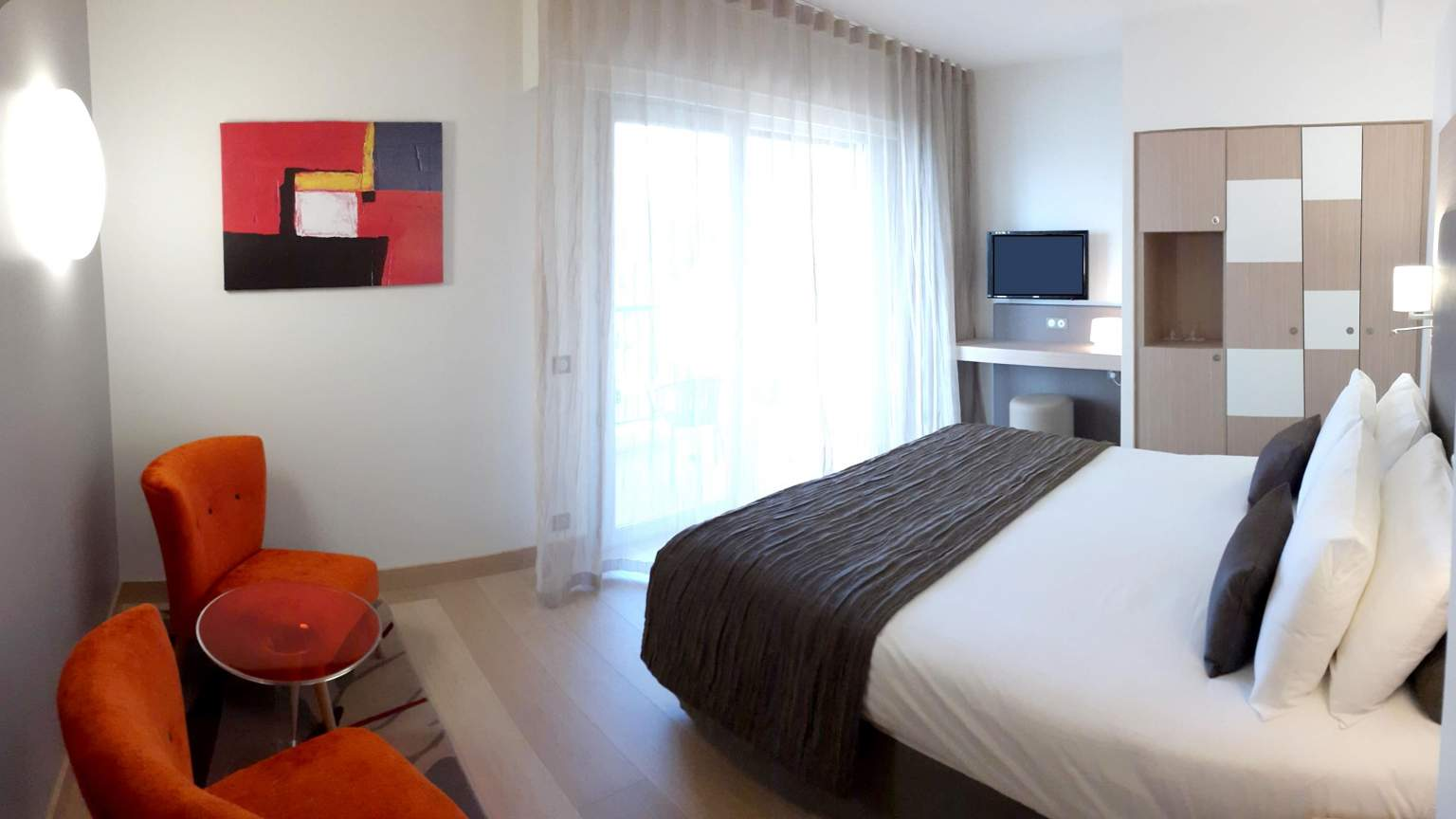 Hotelzimmer mit Balkon in Menton